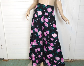 70s Palazzo Pants in Black & Pink Roses- 1970s Floral Print Bell Bottoms- High Waist Hippie Festival Boho Gypsy- Small