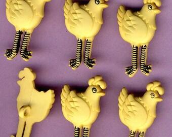 LONG LEGGED HEN Funny Farm Animal Yellow Chicken Chook Dress It Up Craft Buttons
