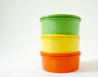 Vintage 1970s Tupperware Stacking Canister Set of 3 NOS / Tri-Color, 8 Cup Capacity, Instant Seal Lids