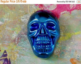 SALE Metallic Blue Skull Bead Sided Drilled Jewelry Carved Stone Pendant (5266)