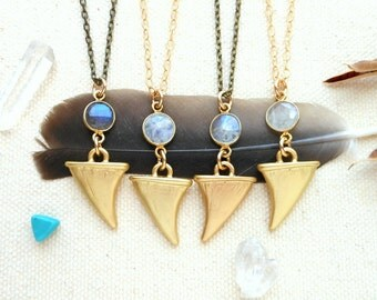 Moonstone necklace horn necklace bohemian protection amulet travelers stone gold chain hippie boho jewelry labradorite crystal necklace
