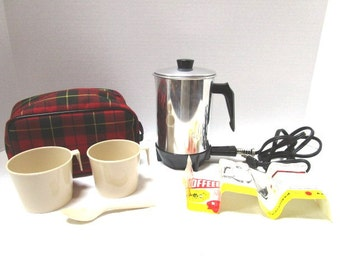 KOFFEEKIT Vintage Red Plaid Hot Drink Kit Complete Set w/ Electric Hot Pot Cups Spoon Brochure Tartan Bag, Scottish Fest Glamping TailGate