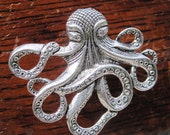 Octopus Drawer knobs - Cabinet Knobs - Furniture Knobs in Silver Metal (MK103)