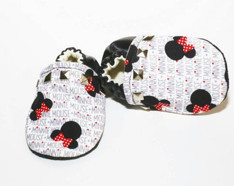 Minnie Mouse Studded Baby Booties, Baby Moccs, Girl Moccs, Disney moccs, Girl Booties, minnie mouse, Disney Booties