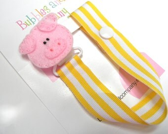 Animal pacifier clip, pacifier clip, pig pacifier clip, pig baby gift, binky clip, binky holder, baby shower gift,