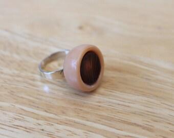 vintage beige adjustable button ring,beige button ring,button ring,beige adjustable button ring,eco friendly,woman,teen,costume,Halloween