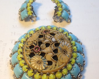 Beautiful Rare Vintage 50's SCHREINER Molded Glass BROOCH and Clip On Earring Set / Floral Design with RHINESTONES