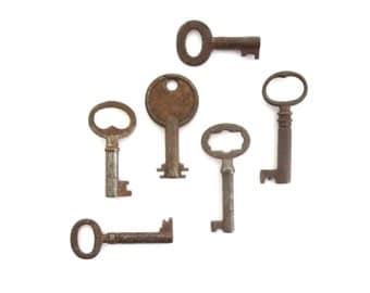 6 vintage skeleton keys, old skeleton keys, skelton keys, collection of skeleton keys, wedding keys, jewelry key antique key small key bit 9