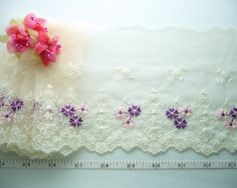 Ivory lace, Embroidered lace, Floral lace trim, Doll lace trim, Flower girls lace 2 yards WT165