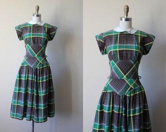 Vintage 1940s Dress - 40s Dress - Green Chocolate Mustard Plaid Peter Pan Collar Bust Shelf Cotton Dress S M - Zest Dress
