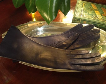 Vintage Navy Leather Gloves Made in Italy