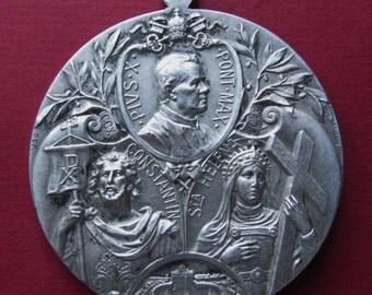 Antique Religious Medal Saint Constantine Saint Helen Pope Pius X Signed Kissing       SS334