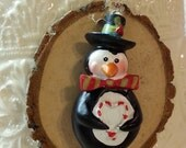 Penguin Tree Slice Christmas Ornament / Wood Tree Slice / Package Wrap Tag / Woodland Rustic Christmas Decoration  / Ready to Ship (ref-ts)