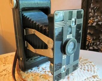 Vintage Deco 1930s JIFFY KODAK SIX-16 Camera with Bellows