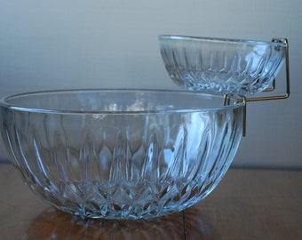 Chip and Dip Set - Three piece - Crystal Pattern - 1970's - Jeannette Glass - Retro - Serving
