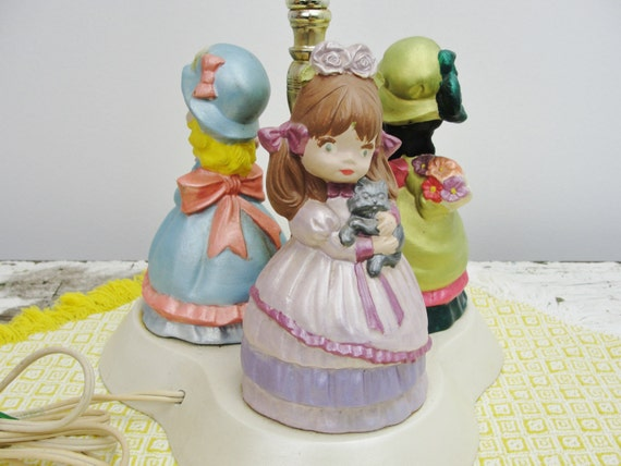 Vintage Kitschy doll lamp, girls room lamp