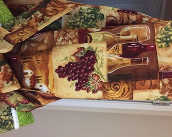 Red and White Wine Apron