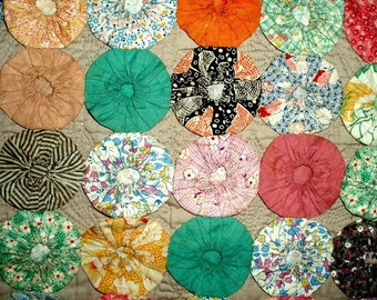 """ANTIQUE POPCORN QUILT yoyo quilt,87""""x72"""" complete, double,queen,rosettes,red,green,blue,yellow,rust,mustard,navy,flowers,geometrics,plaids"""