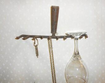 Metal Rake Wine Glass Holder Necklace holder