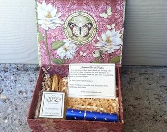 Natural Perfume Gift Box, Botanical perfume, artisan perfume, organic floral perfume, White Lotus gift box, travel sprayer, rose jasmine,