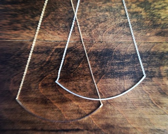 Arc Necklace in Squared Metal