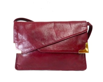 Vintage bag Burgungy Leather Bag Flap Gold Corners Shoulder bag Briefcase Clutch Messenger