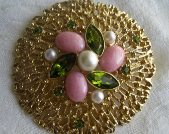 Vintage Sarah Coventry brooch, classic style