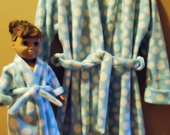 "Aqua fleece robe for girl size 10 with polka dots and matching robe for 18"" doll"