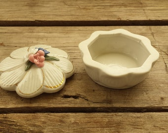 Vintage Porcelain Trinket Box. Topped with Tiny Flowers. Ring Box, Pill Box, Jewlery Box, Treasure Box