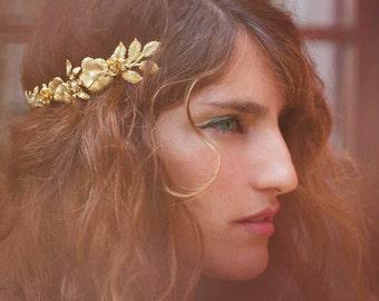 Blooming Floral Crown, Greek Goddess Headband, Roman Tiara, Bridal Hair Accessory, Golden Floral Wreath, Flower Crown, Gold Flowers