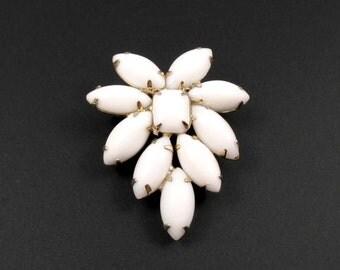 Milk Glass Brooch, White Brooch, Wedding Brooch, Summer Brooch, Summer Jewelry