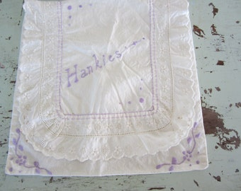Vintage Handkerchief Holder White with Lavender Embroidery with Lace Pocket Style