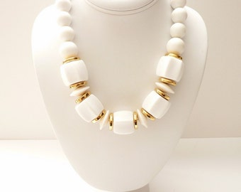 Vintage Napier White and Gold Bead Necklace  18 Inches