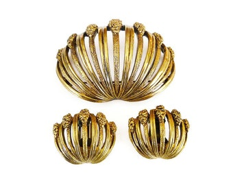 Tortolani Brooch Earrings, Clam Shell, Modernist Jewelry, Gold Tone, Gold Nugget, Vintage Jewelry