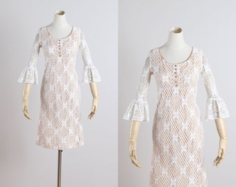 Hidden Hills . vintage 1960s dress . ivory crocheted lace