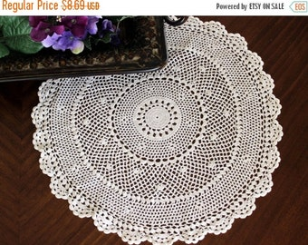 Crochet Vinatge Doily, Hand Crocheted, Large Lacy Crocheted Doilies, Vintage Table Linens 13380