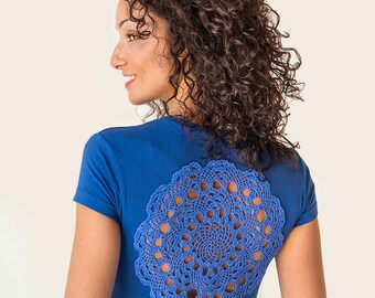Indigo Blue t-shirt with upcycled vintage crochet doily back - Size S