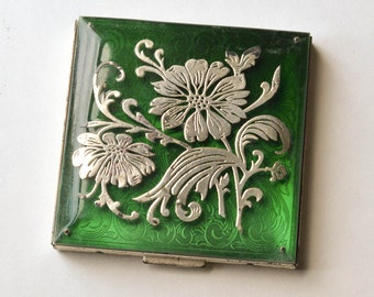 Sterling Silver Compact Complete with Box and Cloth Bag Rex Compact