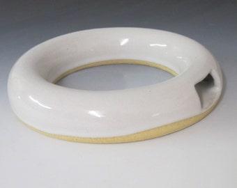 Wall hanging Ikebana vase / ring shape / wheel thrown  / pottery  / vase / home decor / interior design / white vase