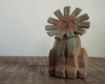 Mod Vintage Potter Lion Figurine Made in Japan