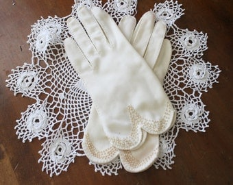 Vintage White Gloves Beaded 1950s Womens Small XS