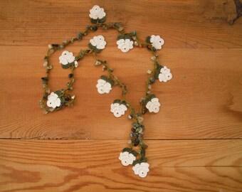 crochet necklace, white rose, flower, turkish oya