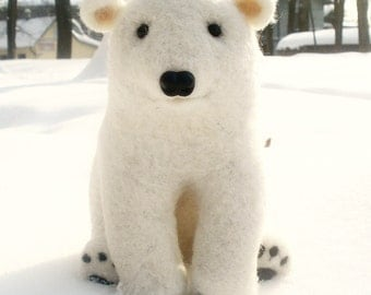 White needle felted wool polar bear - Handmade work - Gift