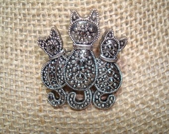 Vintage Trio Of Cats Marquisette Like Pin.