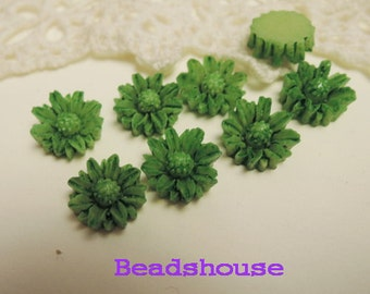 Sale: 625-00-CA  6pcs (10mm) Pretty Tie-Dye Chrysanthemum Cabochon-Green