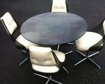 Mod dining table and chairs