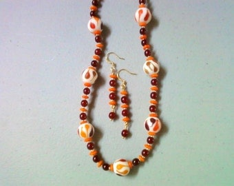Fiery Red and Orange Necklace and Earrings (0337)