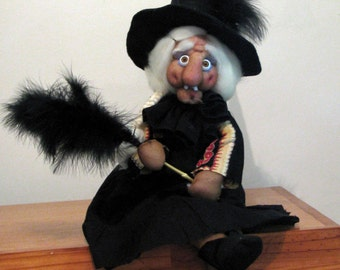 Witch Idda, Halloween decoration, One of a kind, OOAK, Art doll, collectionable