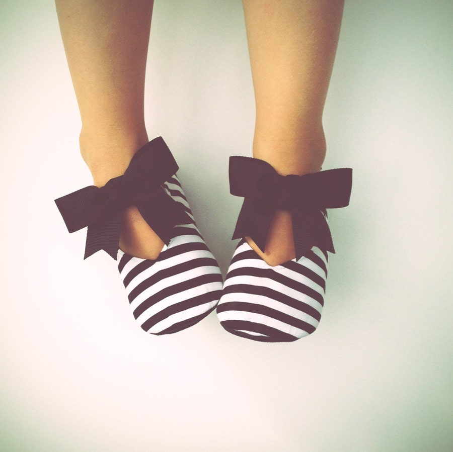 Black sandals baby girl - Baby Girl Shoes Toddler Girl Shoes Soft Sole Shoes Black And White Stripes Flower Girl Shoes