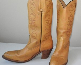 Frye cowboy boots 8 8.5 womens boots SEXY 3 inch heel leather lining and leather sole